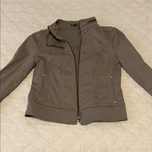 Express Jacket with Zipper Detailing